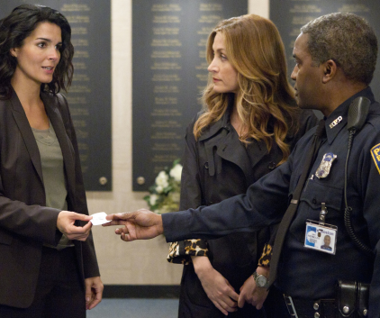 Watch Rizzoli & Isles Season 2 Episode 1
