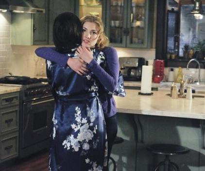 Watch The Nine Lives of Chloe King Season 1 Episode 8