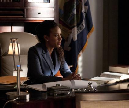 Watch Suits Season 1 Episode 6