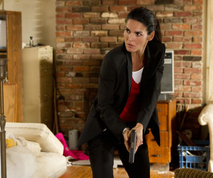 Watch Rizzoli & Isles Season 2 Episode 4