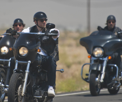 Watch Sons of Anarchy Season 4 Episode 1
