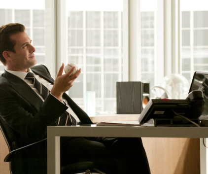 Watch Suits Season 1 Episode 9