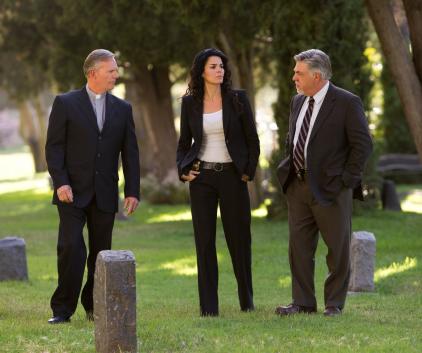 Watch Rizzoli & Isles Season 2 Episode 7