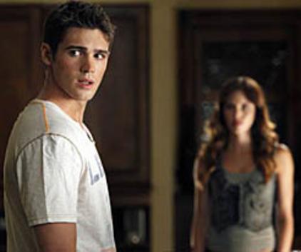 Watch The Vampire Diaries Season 3 Episode 2