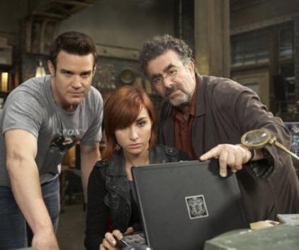 Watch Warehouse 13 Season 3 Episode 12