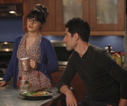 Watch New Girl Season 1 Episode 4