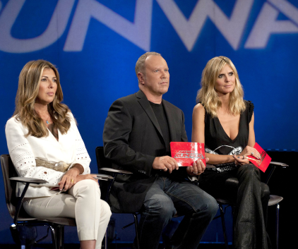 Watch Project Runway Season 9 Episode 14