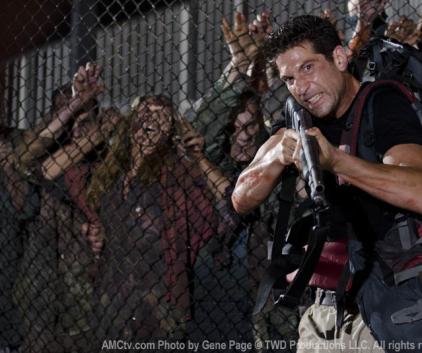 Watch The Walking Dead Season 2 Episode 3