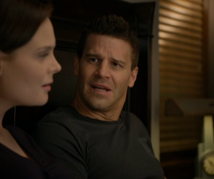 Watch Bones Season 7 Episode 2