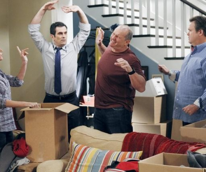 Watch Modern Family Season 3 Episode 8