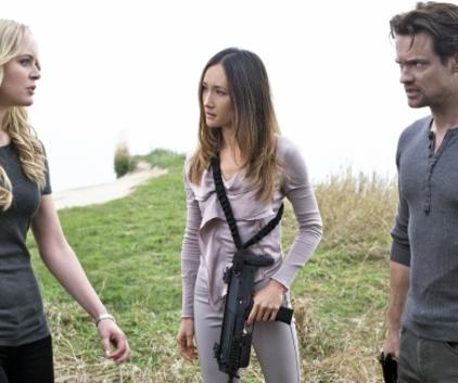Watch Nikita Season 2 Episode 8