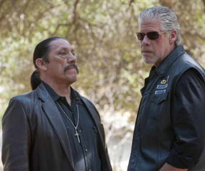 Watch Sons of Anarchy Season 4 Episode 11