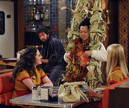 Watch 2 Broke Girls Season 1 Episode 10