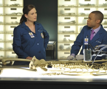 Watch Bones Season 7 Episode 4