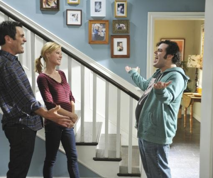 Watch Modern Family Season 3 Episode 9