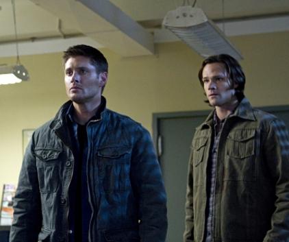 Watch Supernatural Season 7 Episode 10