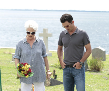 Watch Burn Notice Season 5 Episode 17