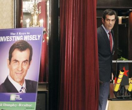 Watch Modern Family Season 3 Episode 12