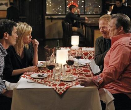 Watch Modern Family Season 3 Episode 15