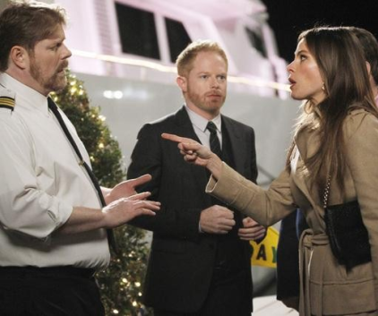 Watch Modern Family Season 3 Episode 17
