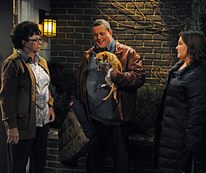 Watch Mike & Molly Season 2 Episode 18