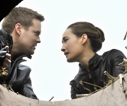 Watch Nikita Season 2 Episode 22