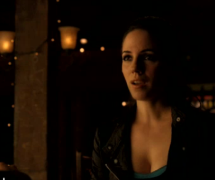 Watch Lost Girl Season 2 Episode 7