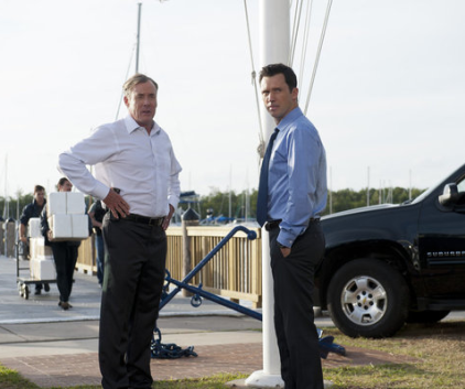Watch Burn Notice Season 6 Episode 2