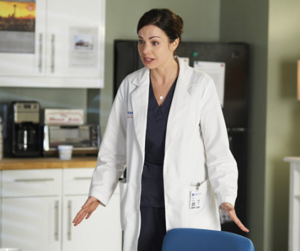 Watch Saving Hope Season 1 Episode 4