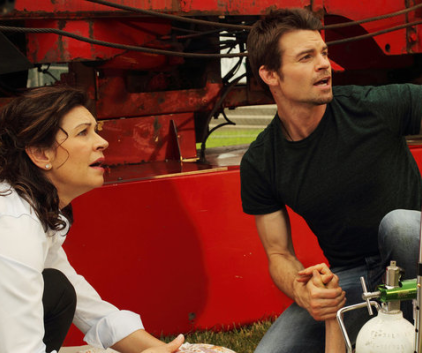 Watch Saving Hope Season 1 Episode 10