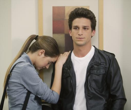 Watch The Secret Life of the American Teenager Season 5 Episode 22
