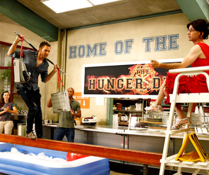 Watch Community Season 4 Episode 1