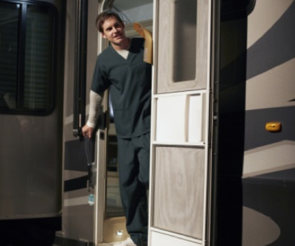 Watch The L.A. Complex Season 2 Episode 10