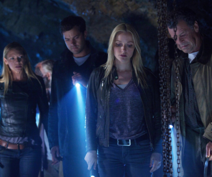 Watch Fringe Season 5 Episode 3