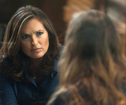 Watch Law & Order: SVU Season 14 Episode 4
