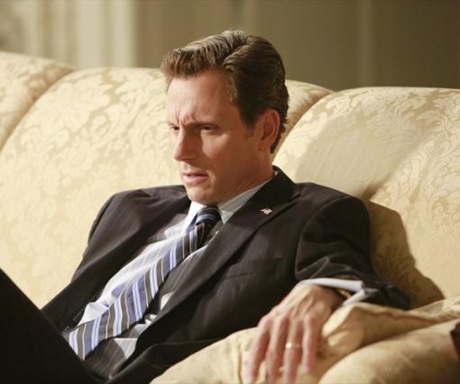 Watch Scandal Season 2 Episode 4