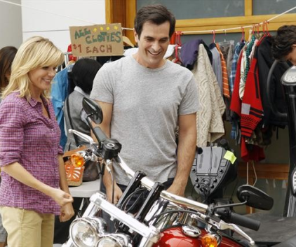Watch Modern Family Season 4 Episode 6