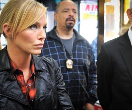 Watch Law & Order: SVU Season 14 Episode 6