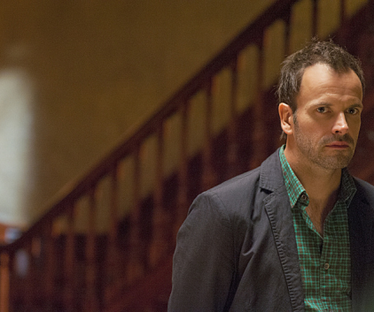 Watch Elementary Season 1 Episode 8