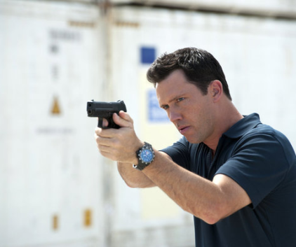 Watch Burn Notice Season 6 Episode 17