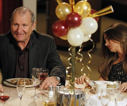 Watch Modern Family Season 4 Episode 11