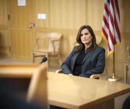 Watch Law & Order: SVU Season 14 Episode 11