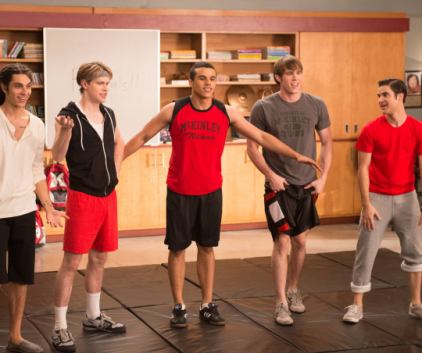 Watch Glee Season 4 Episode 12
