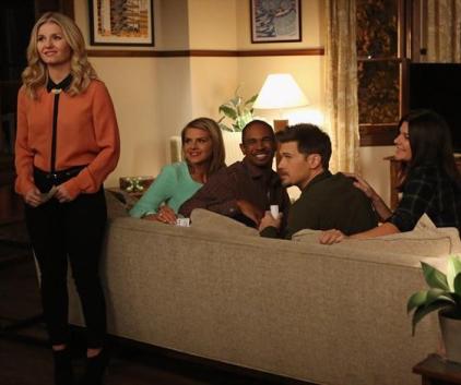 Watch Happy Endings Season 3 Episode 13