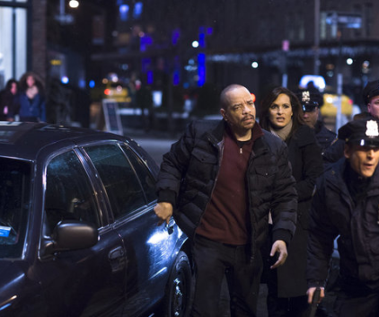 Watch Law & Order: SVU Season 14 Episode 16