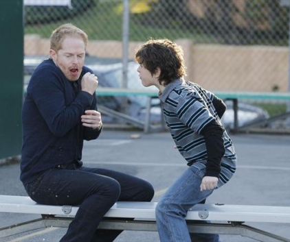 Watch Modern Family Season 4 Episode 18