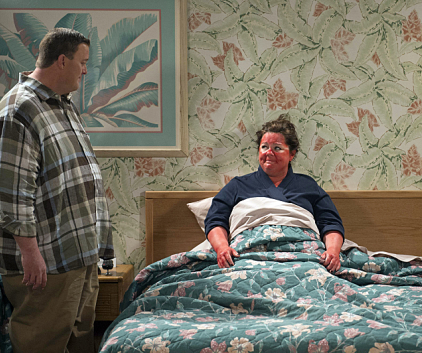 Watch Mike & Molly Season 3 Episode 18