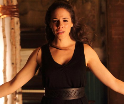 Watch Lost Girl Season 3 Episode 9