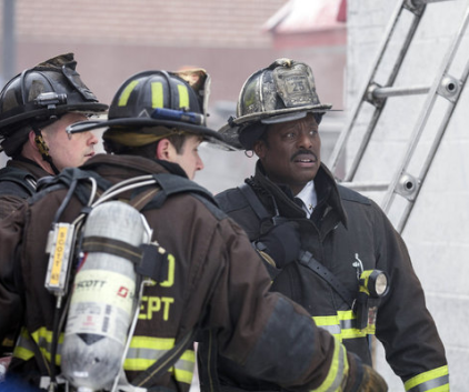 Watch Chicago Fire Season 1 Episode 18