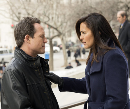 Watch Law & Order: SVU Season 14 Episode 17
